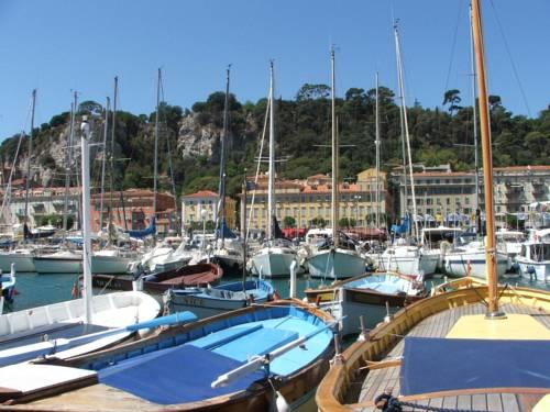 Nice centre ville nice autour de la principaut de monaco for Hotels 2 etoiles nice