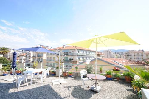 Exceptionnel rooftop nice autour de la principaut de for Hotels 2 etoiles nice