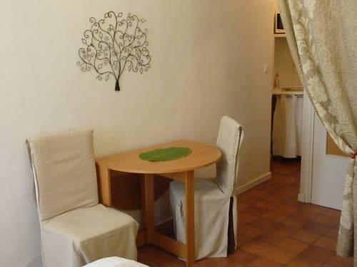 studios floreal nice autour de la principaut de monaco nice. Black Bedroom Furniture Sets. Home Design Ideas