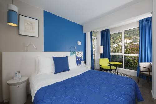 Hotel napol on menton around of the principality of - Hotels in menton with swimming pool ...