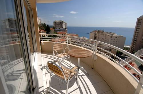 Appart 39 hotel odalys les jardins d 39 elisa beausoleil autour for Appart hotel menton
