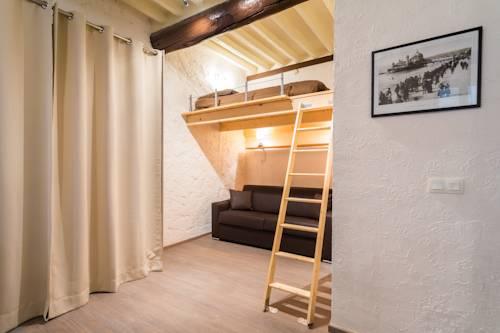 Centrale -Studio avec Mezzanine - Vieux Nice Nice, around of the ...