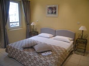 Cannes Holiday Suites