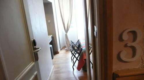 le petit trianon nice autour de la principaut de monaco nice. Black Bedroom Furniture Sets. Home Design Ideas