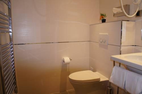 h tel ambassador nice autour de la principaut de monaco nice. Black Bedroom Furniture Sets. Home Design Ideas
