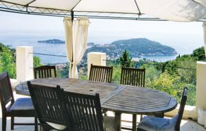 Holiday home Av des Caroubiers
